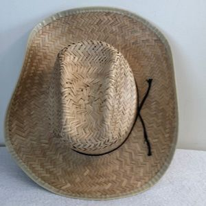 Straw hat approx 22 inch inside